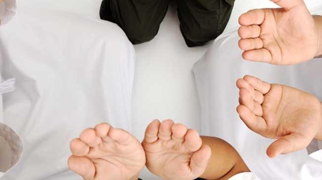 Ibadah, Sharing, dan Berdoa Bersama